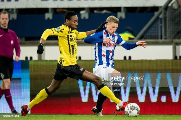 Kelechi Nwakali of VVV Doke Schmidt of sc Heerenveen during the Dutch Eredivisie match between sc Heerenveen and VVV Venlo at Abe Lenstra Stadium on...
