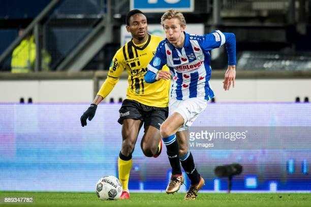 Kelechi Nwakali of VVV Michel Vlap of sc Heerenveen during the Dutch Eredivisie match between sc Heerenveen and VVV Venlo at Abe Lenstra Stadium on...