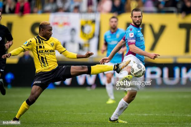Kelechi Nwakali of VVV Tim Matavz of Vitesse during the Dutch Eredivisie match between Vitesse Arnhem and VVV Venlo at Gelredome on September 17 2017...