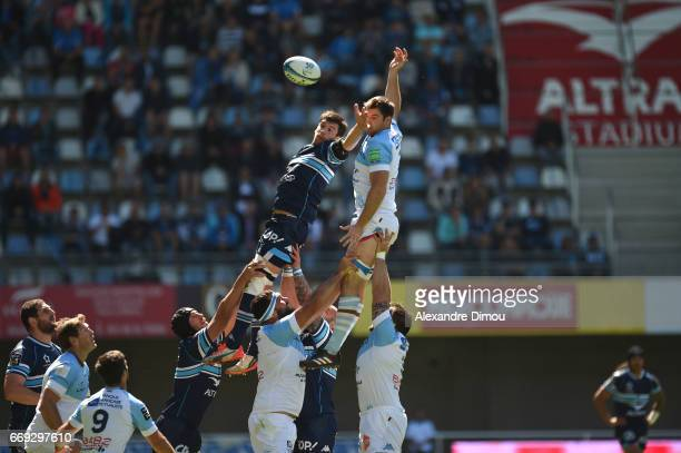 Kelian Galletier of Montpellier and John Beattie of Bayonne during the Top 14 match between Montpellier and Bayonne on April 16 2017 in Montpellier...