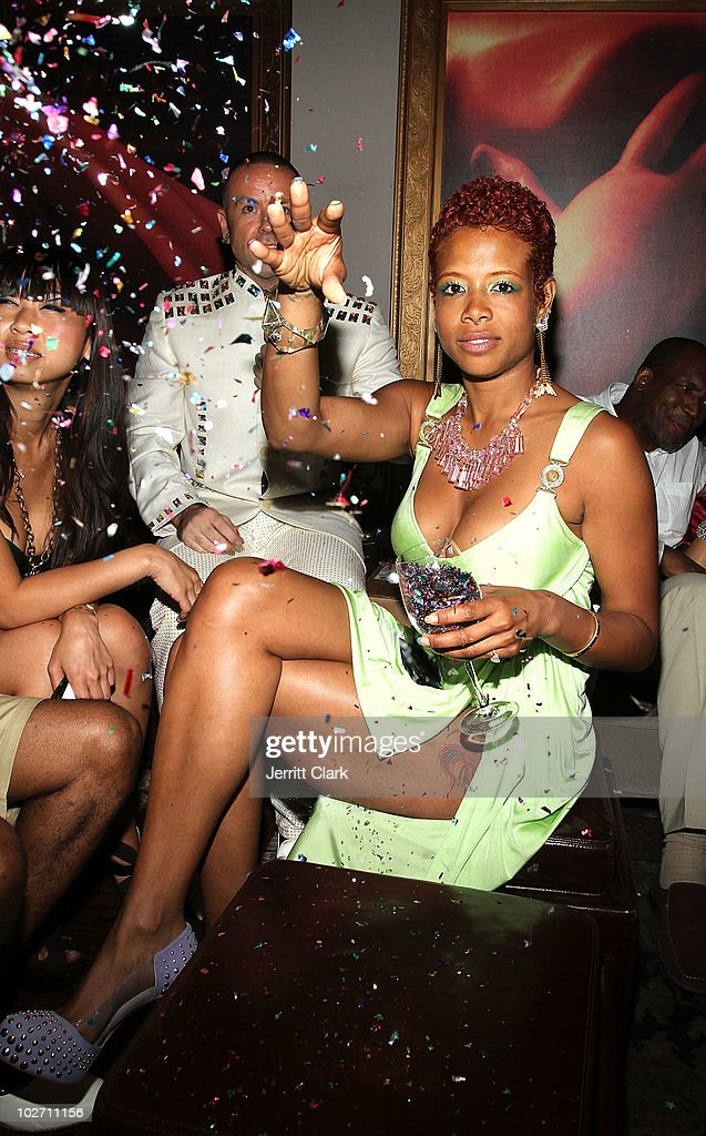 <a gi-track='captionPersonalityLinkClicked' href=/galleries/search?phrase=Kelis&family=editorial&specificpeople=203061 ng-click='$event.stopPropagation()'>Kelis</a> attends her 'Flesh Tone' album release party at RdV Lounge on July 7, 2010 in New York City.