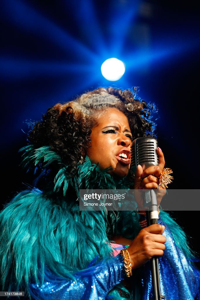 <a gi-track='captionPersonalityLinkClicked' href=/galleries/search?phrase=Kelis&family=editorial&specificpeople=203061 ng-click='$event.stopPropagation()'>Kelis</a> performs live on The Terrazza Stage during day three of the Lovebox festival at Victoria Park on July 21, 2013 in London, England.