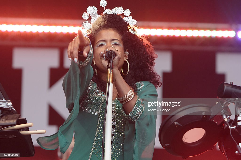 <a gi-track='captionPersonalityLinkClicked' href=/galleries/search?phrase=Kelis&family=editorial&specificpeople=203061 ng-click='$event.stopPropagation()'>Kelis</a> performs on stage during Park Life Festival at Platt Fields Park on June 9, 2012 in Manchester, United Kingdom.