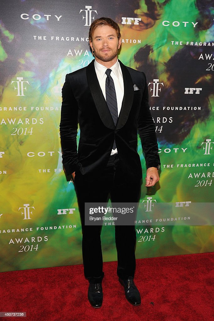 Kellan Lutz attends the 2014 Fragrance Foundation Awards on June 16, 2014 in New York City.