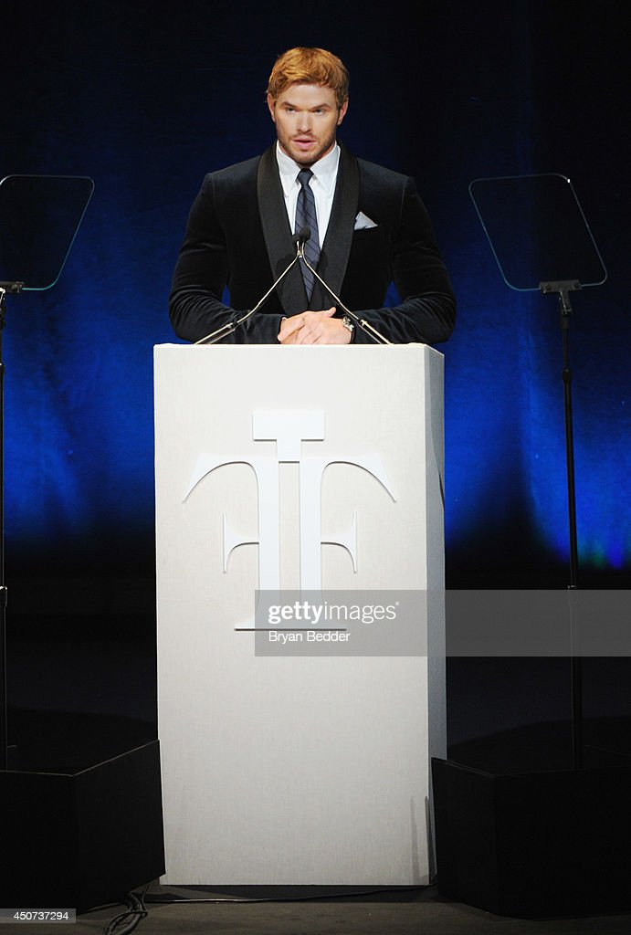 <a gi-track='captionPersonalityLinkClicked' href=/galleries/search?phrase=Kellan+Lutz&family=editorial&specificpeople=683287 ng-click='$event.stopPropagation()'>Kellan Lutz</a> speaks onstage at the 2014 Fragrance Foundation Awards on June 16, 2014 in New York City.