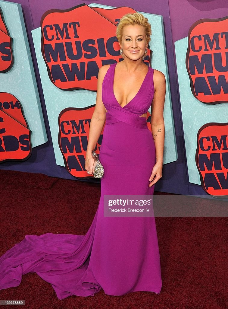 <a gi-track='captionPersonalityLinkClicked' href=/galleries/search?phrase=Kellie+Pickler&family=editorial&specificpeople=600021 ng-click='$event.stopPropagation()'>Kellie Pickler</a> arrives at the 2014 CMT Music awards at the Bridgestone Arena on June 4, 2014 in Nashville, Tennessee.