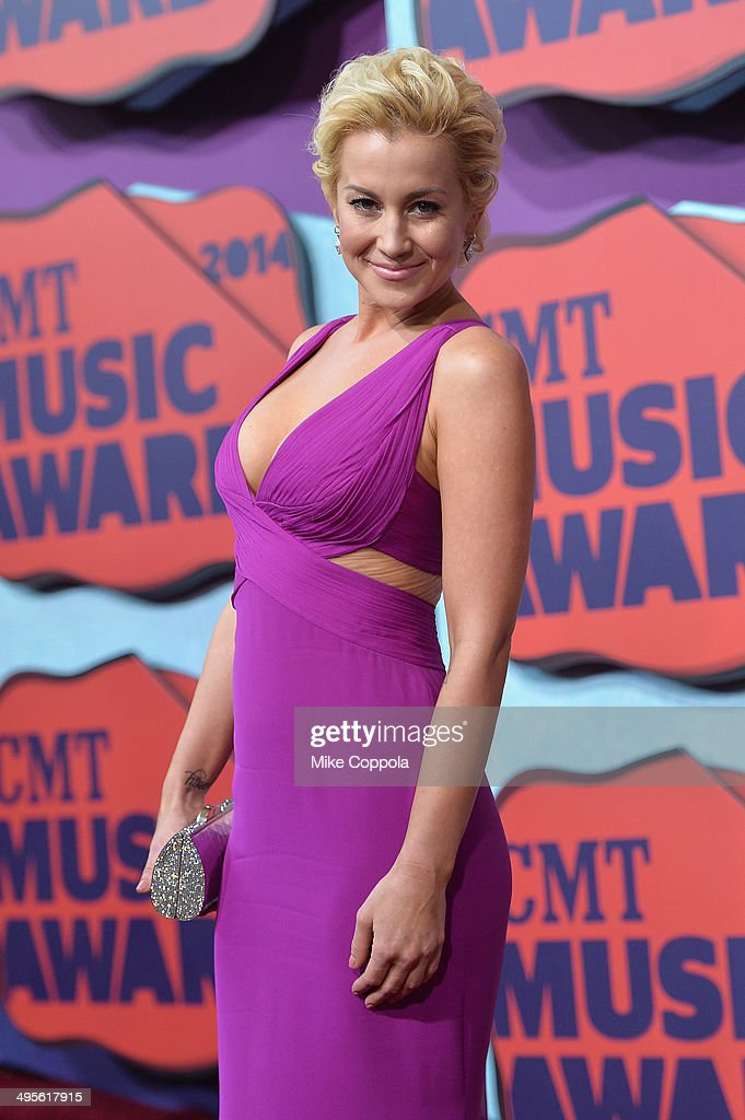 Kellie Pickler attends the 2014 CMT Music awards at the Bridgestone Arena on June 4, 2014 in Nashville, Tennessee.
