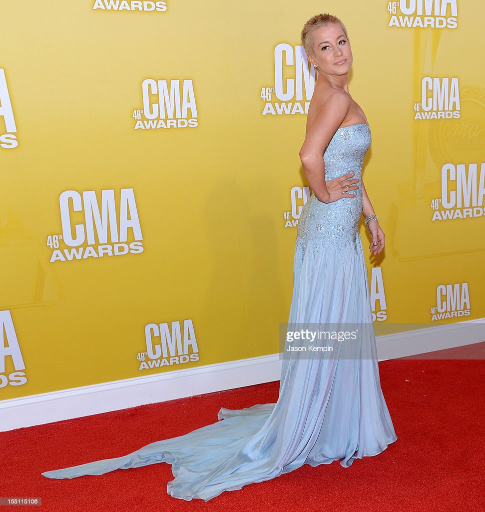 Kellie Pickler attends the 46th annual CMA Awards at the Bridgestone Arena on November 1, 2012 in Nashville, Tennessee.