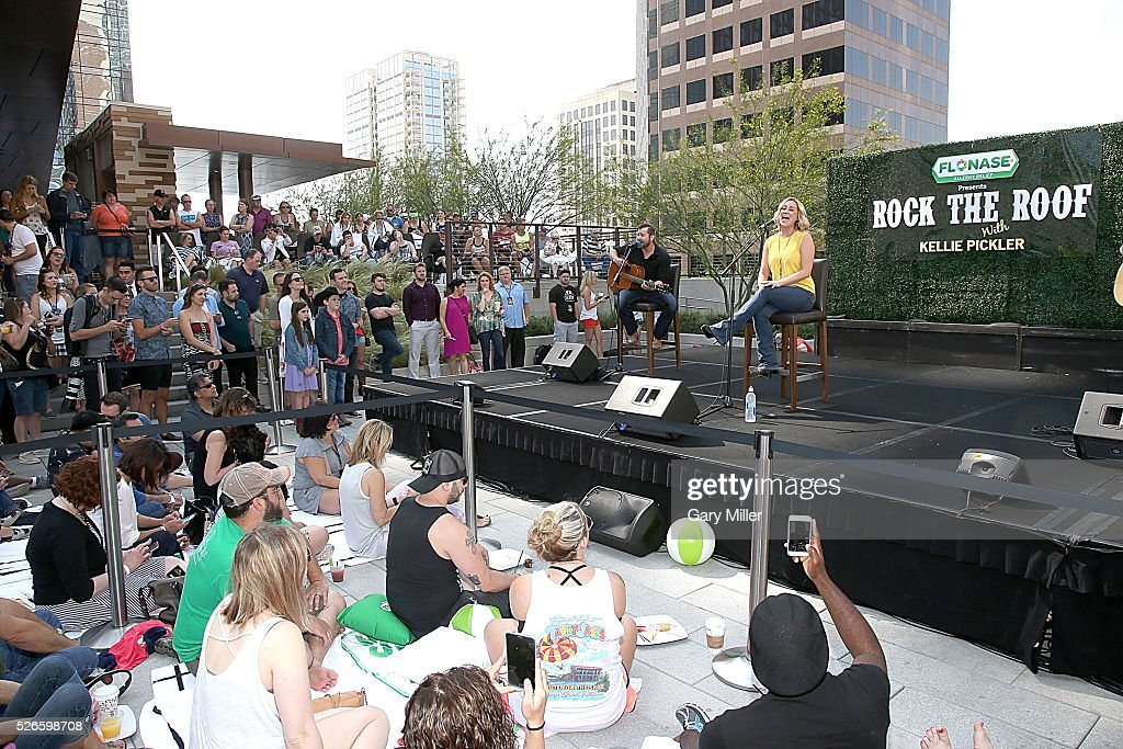 <a gi-track='captionPersonalityLinkClicked' href=/galleries/search?phrase=Kellie+Pickler&family=editorial&specificpeople=600021 ng-click='$event.stopPropagation()'>Kellie Pickler</a> (R) performs in concert during the Flonaise Rock the Roof event at the JW Marriott Hotel on April 30, 2016 in Austin, Texas.