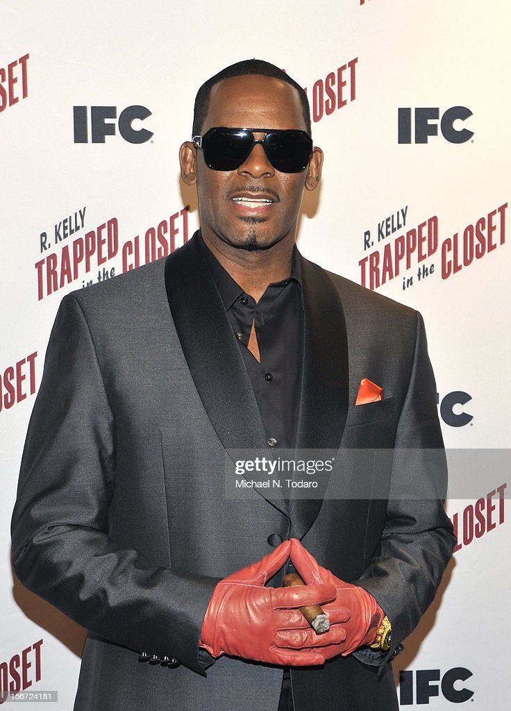<a gi-track='captionPersonalityLinkClicked' href=/galleries/search?phrase=R.+Kelly&family=editorial&specificpeople=204472 ng-click='$event.stopPropagation()'>R. Kelly</a> attends the 'Trapped In The Closet' screening at Sunshine Cinema on November 19, 2012 in New York City.