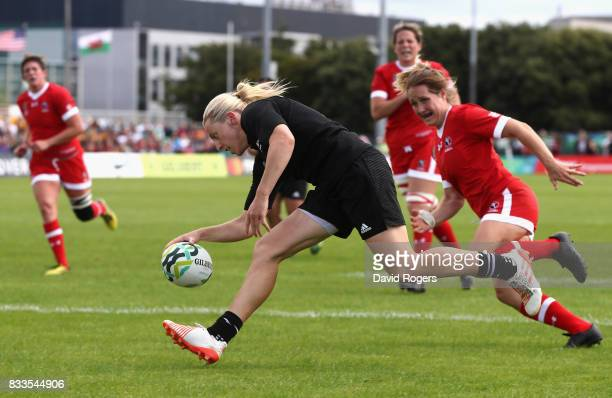 Kelly Brazier of New Zealand Black Ferns scores a try during the Women's Rugby World Cup Pool A match between Canada and New Zealand Black Ferns at...