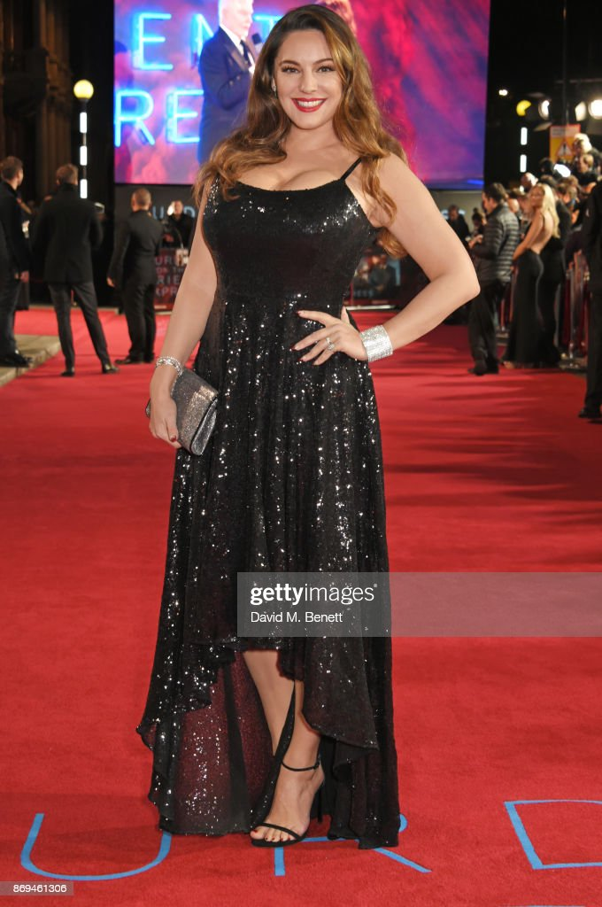 Kelly Brook attends the World Premiere of 'Murder On The Orient Express' at The Royal Albert Hall on November 2, 2017 in London, England.