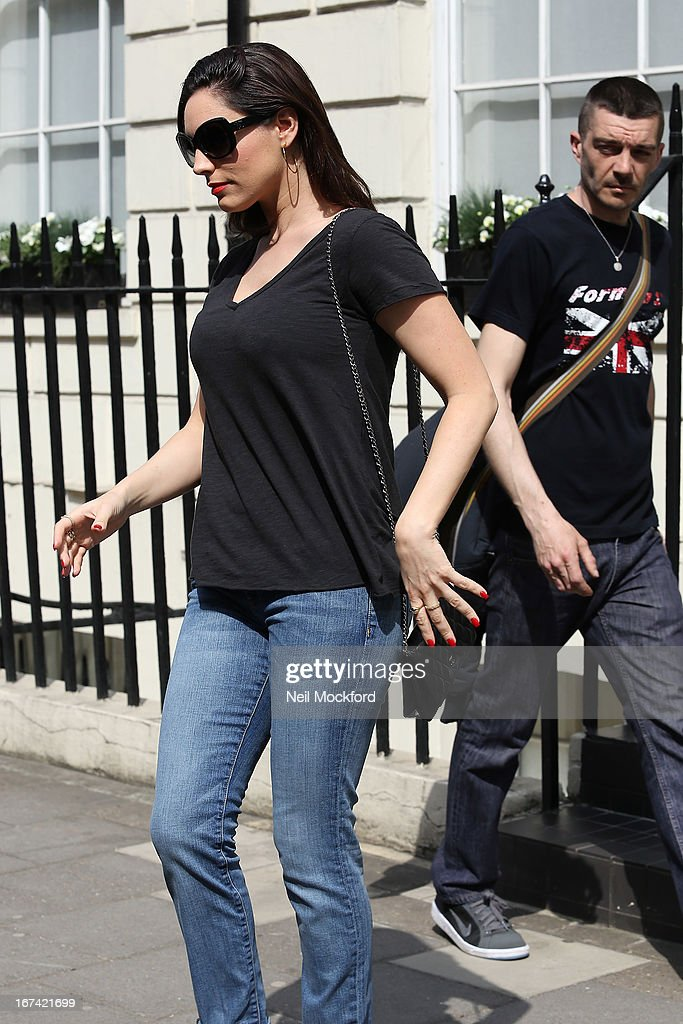 <a gi-track='captionPersonalityLinkClicked' href=/galleries/search?phrase=Kelly+Brook&family=editorial&specificpeople=206582 ng-click='$event.stopPropagation()'>Kelly Brook</a> seen leaving her home after news about her boyfriend Danny Cipriani is hit by a bus on April 25, 2013 in London, England.