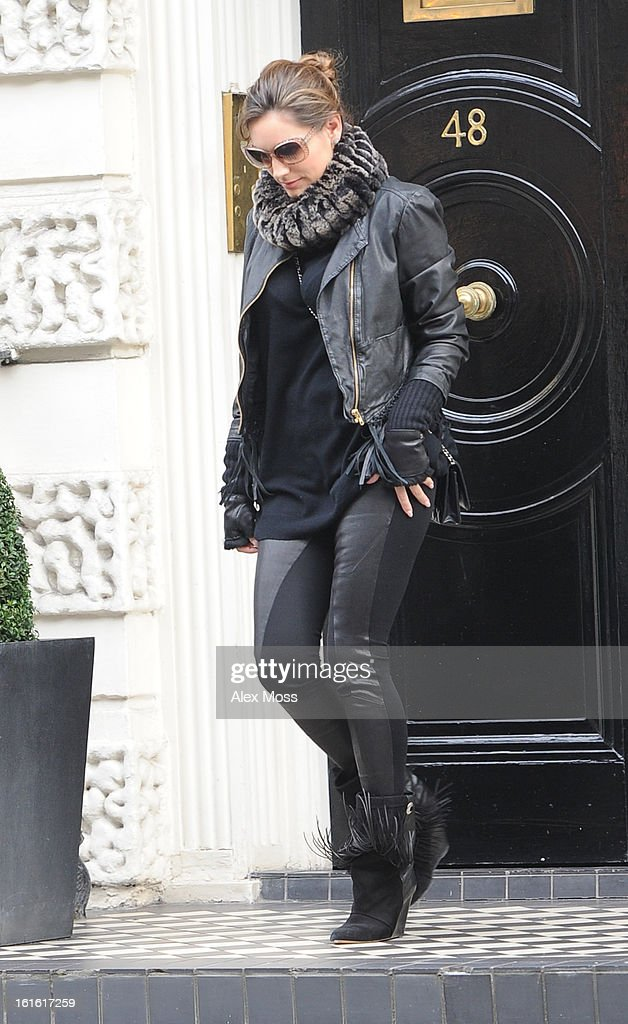 <a gi-track='captionPersonalityLinkClicked' href=/galleries/search?phrase=Kelly+Brook&family=editorial&specificpeople=206582 ng-click='$event.stopPropagation()'>Kelly Brook</a> Seen Shopping In Central London on February 13, 2013 in London, England.