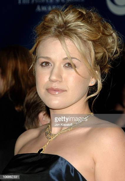 Kelly Clarkson during 32nd Annual People's Choice Awards Arrivals at Shrine Auditorium in Los Angeles California United States