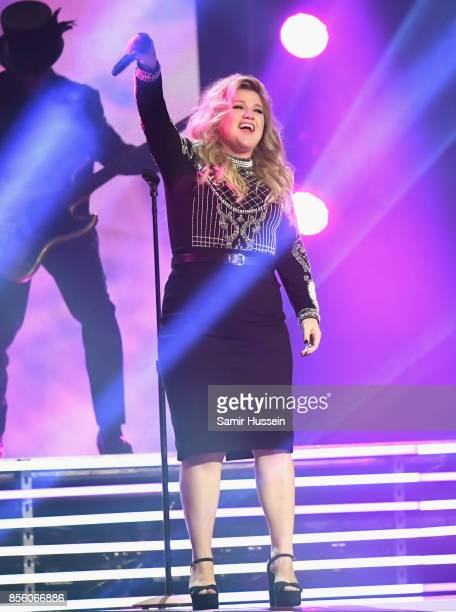 Kelly Clarkson is seen on day 8 of the Invictus Games Toronto 2017 on September 30 2017 in Toronto Canada The Games use the power of sport to inspire...
