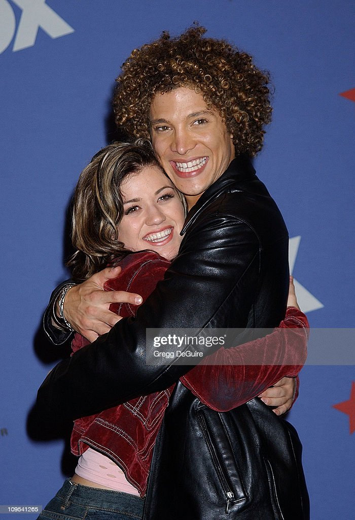 Kelly Clarkson Justin Guarini during 'American Idol' Season 1 Finale Results Show Press Room at Kodak Theatre in Hollywood California United States
