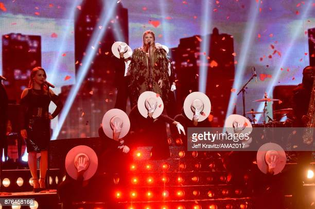 Kelly Clarkson onstage during the 2017 American Music Awards at Microsoft Theater on November 19 2017 in Los Angeles California