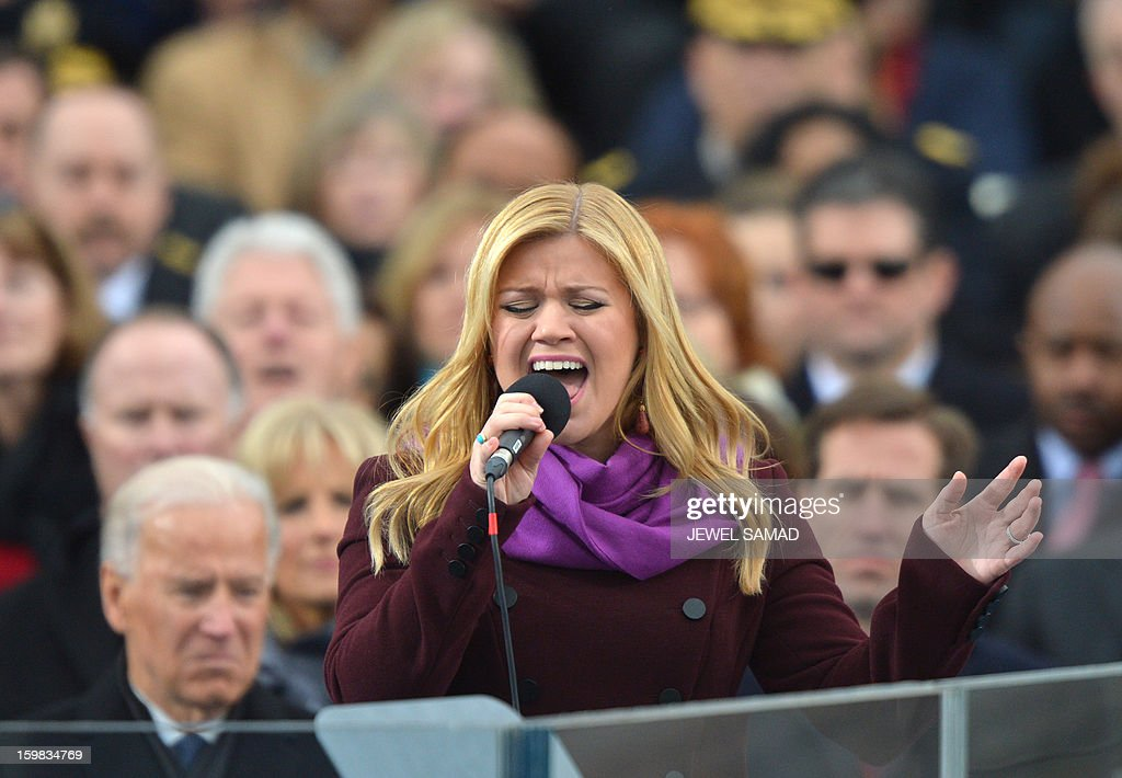 Kelly Clarkson performs during the 57th Presidential Inauguration ceremonial swearing-in at the US Capitol on January 21, 2013 in Washington, DC. AFP PHOTO/Jewel Samad