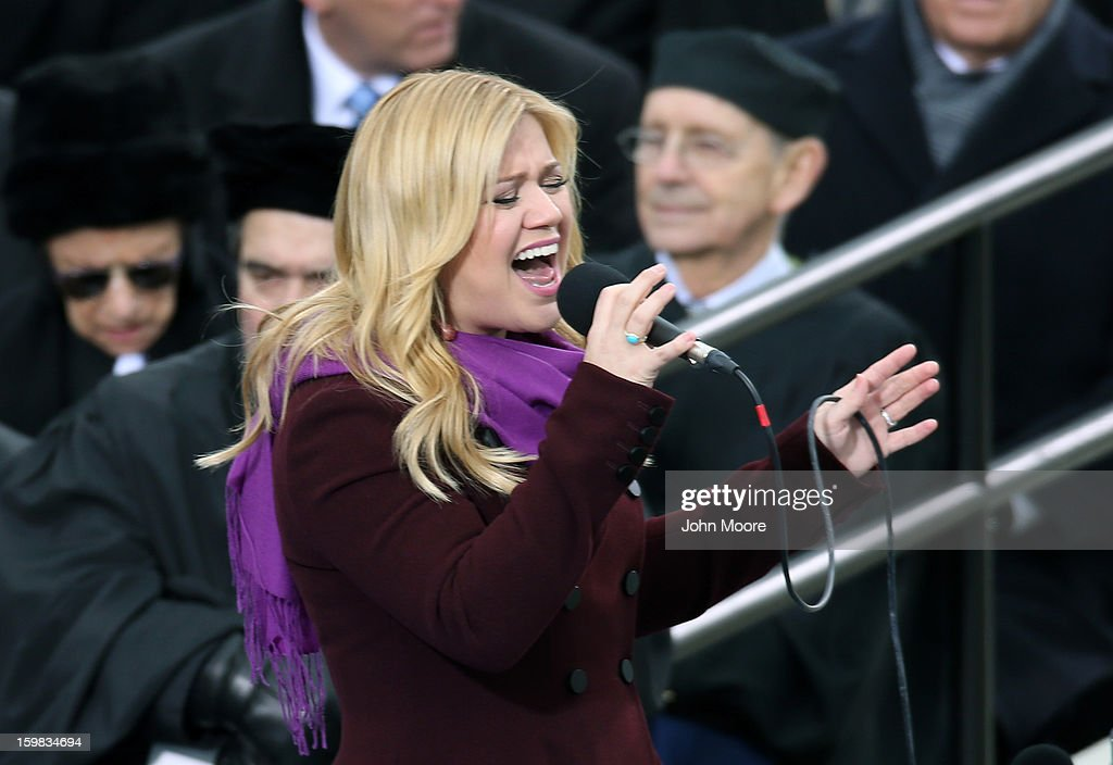 "Kelly Clarkson performs ""My Country Tis of Thee""during the presidential inauguration on the West Front of the U.S. Capitol January 21, 2013 in Washington, DC. Barack Obama was re-elected for a second term as President of the United States."