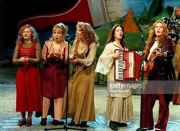 Barby Kelly Schwester Maite Schwester Patricia Schwester Kathy und Bruder Paddy Auftritt Sänger Sängerin Familie 'Peter Alexander Show' Gruppe Promi...