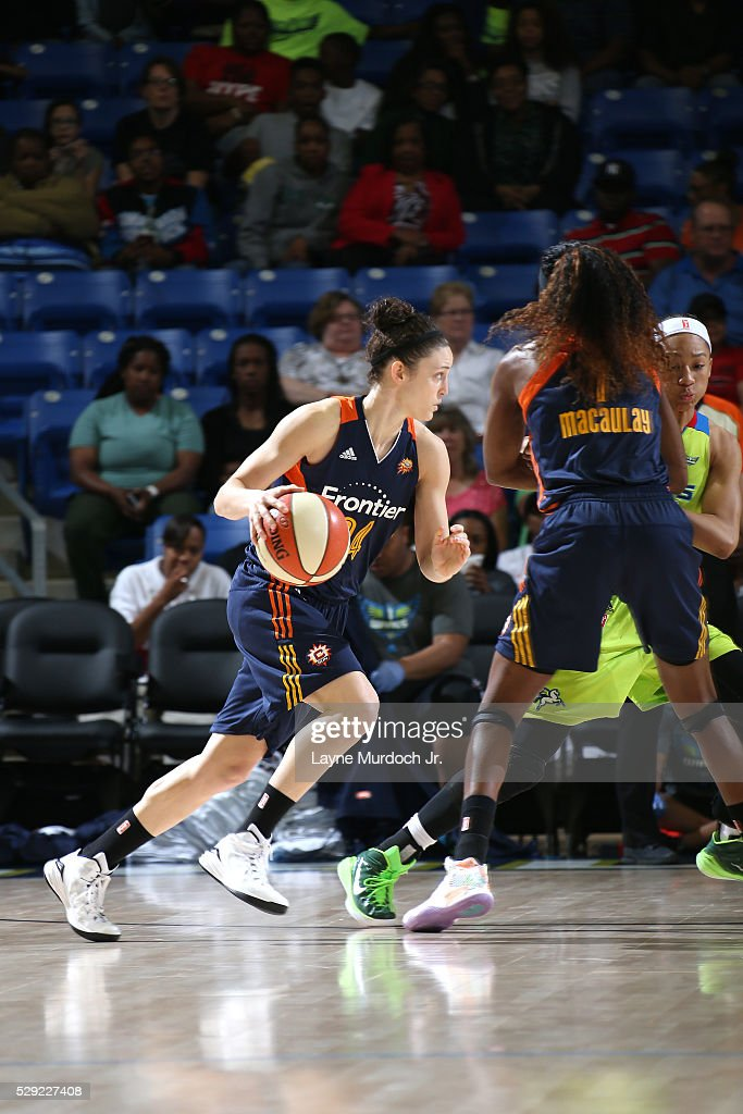 Kelly Faris of Connecticut Suns handles the ball during the game against the Dallas Wings in a WNBA game on May 08 2016 at the College Park Center in...