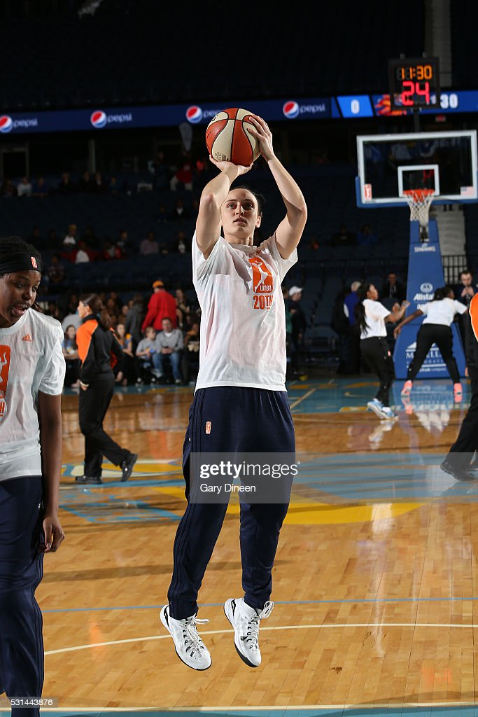 Kelly Faris #34 of the Connecticut Sun warms up before the game against the Chicago Sky on May 14, 2016 at the Allstate Arena in Rosemont, Illinois.