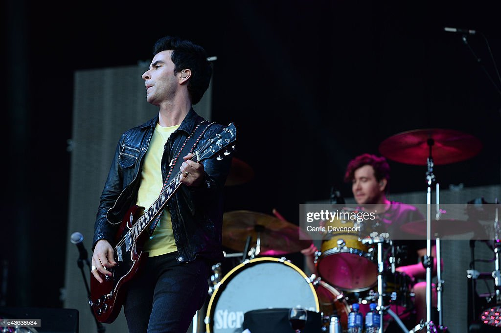<a gi-track='captionPersonalityLinkClicked' href=/galleries/search?phrase=Kelly+Jones+-+Musician&family=editorial&specificpeople=206973 ng-click='$event.stopPropagation()'>Kelly Jones</a> and Jamie Morrison of Stereophonics perform onstage at Titanic Slipways on June 29, 2016 in Belfast, Northern Ireland.