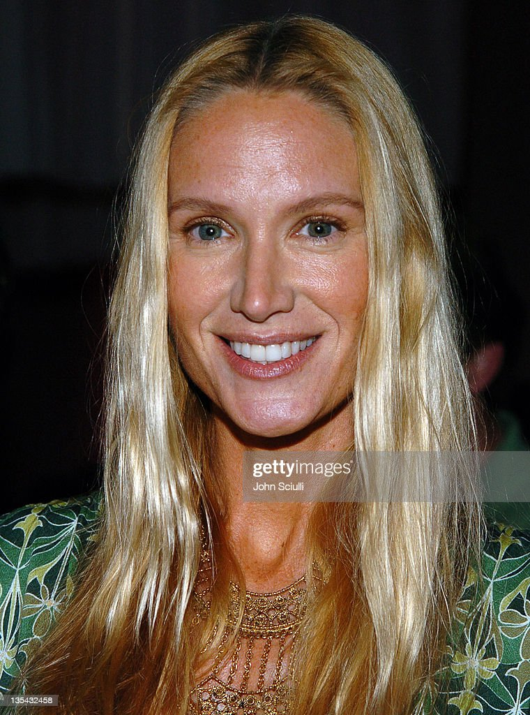 <a gi-track='captionPersonalityLinkClicked' href=/galleries/search?phrase=Kelly+Lynch&family=editorial&specificpeople=203037 ng-click='$event.stopPropagation()'>Kelly Lynch</a> during Anonymous Content 2004 Holiday Party in Culver City, California, United States.