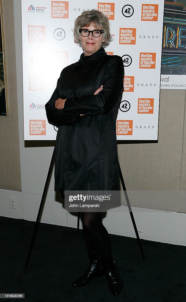<a gi-track='captionPersonalityLinkClicked' href=/galleries/search?phrase=Kelly+McGillis&family=editorial&specificpeople=673497 ng-click='$event.stopPropagation()'>Kelly McGillis</a> attends the 'Stake Land' premiere at The Film Society of Lincoln Center on October 27, 2010 in New York City.