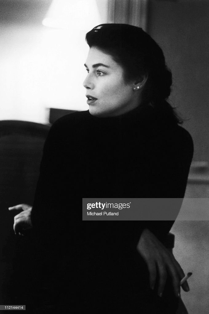 <a gi-track='captionPersonalityLinkClicked' href=/galleries/search?phrase=Kelly+McGillis&family=editorial&specificpeople=673497 ng-click='$event.stopPropagation()'>Kelly McGillis</a>, portrait, London, 1987.