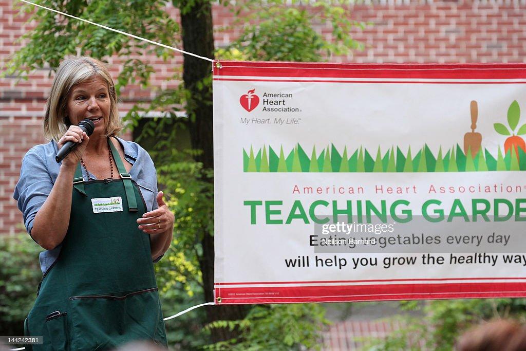 Kelly Meyer Speaks At The American Heart Ociation Teaching Gardens Planting In Harlem On May 12