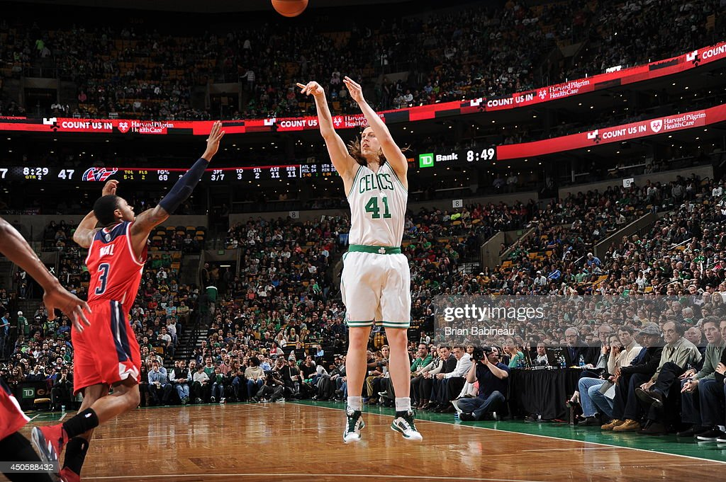 <a gi-track='captionPersonalityLinkClicked' href=/galleries/search?phrase=Kelly+Olynyk&family=editorial&specificpeople=5953512 ng-click='$event.stopPropagation()'>Kelly Olynyk</a> #41 of the Boston Celtics shoots against the Washington Wizards on April 16, 2014 at the TD Garden in Boston, Massachusetts.