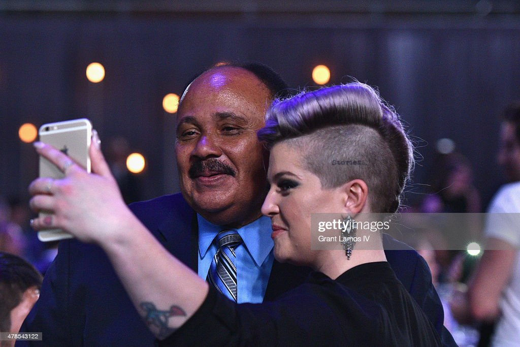 Kelly Osbourne and Martin Luther King III take a photo at Logo's 'Trailblazer Honors' 2015 at the Cathedral of St John the Divine on June 25 2015 in...