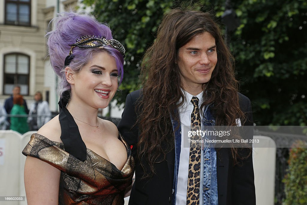 <a gi-track='captionPersonalityLinkClicked' href=/galleries/search?phrase=Kelly+Osbourne&family=editorial&specificpeople=156416 ng-click='$event.stopPropagation()'>Kelly Osbourne</a> and Matthew Mosshart attend the 'AIDS Solidarity Gala 2013' at Hofburg Vienna on May 25, 2013 in Vienna, Austria.