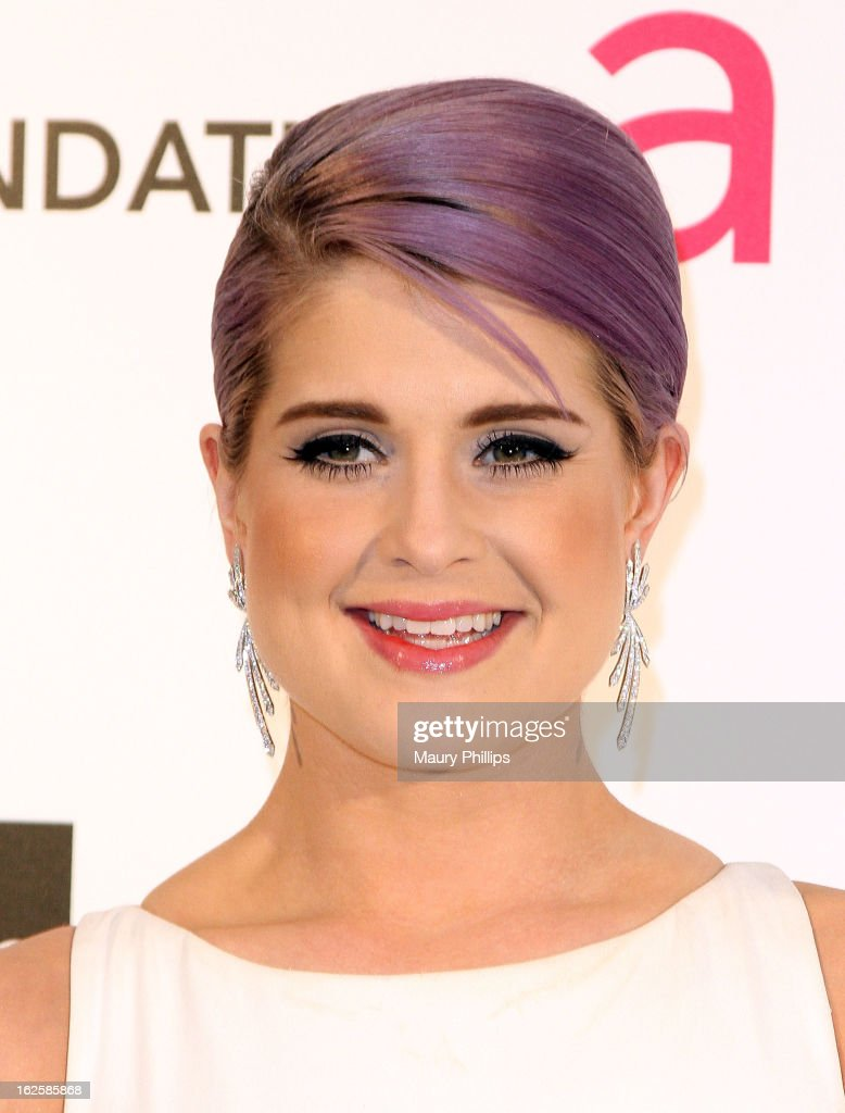 <a gi-track='captionPersonalityLinkClicked' href=/galleries/search?phrase=Kelly+Osbourne&family=editorial&specificpeople=156416 ng-click='$event.stopPropagation()'>Kelly Osbourne</a> arrives at the 21st Annual Elton John AIDS Foundation Academy Awards Viewing Party at Pacific Design Center on February 24, 2013 in West Hollywood, California.