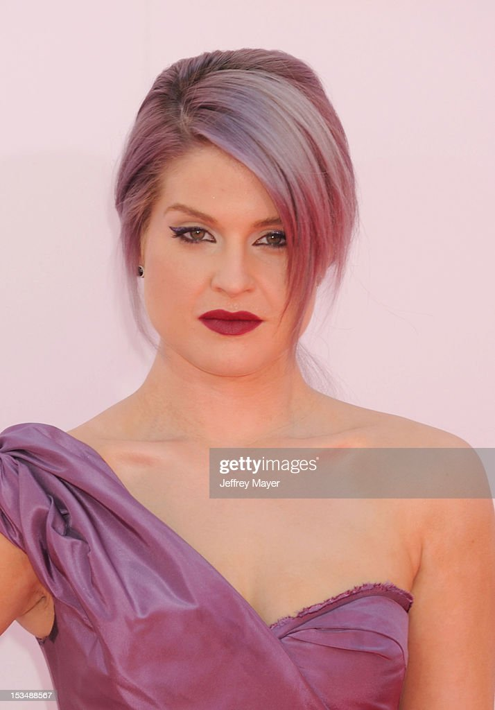 Kelly Osbourne arrives at the 64th Primetime Emmy Awards at Nokia Theatre L.A. Live on September 23, 2012 in Los Angeles, California.