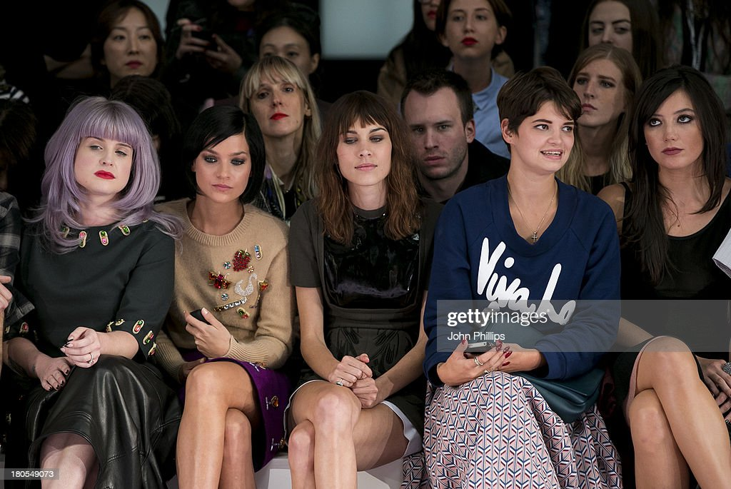 <a gi-track='captionPersonalityLinkClicked' href=/galleries/search?phrase=Kelly+Osbourne&family=editorial&specificpeople=156416 ng-click='$event.stopPropagation()'>Kelly Osbourne</a>, <a gi-track='captionPersonalityLinkClicked' href=/galleries/search?phrase=Leigh+Lezark&family=editorial&specificpeople=618872 ng-click='$event.stopPropagation()'>Leigh Lezark</a>, <a gi-track='captionPersonalityLinkClicked' href=/galleries/search?phrase=Alexa+Chung&family=editorial&specificpeople=3141821 ng-click='$event.stopPropagation()'>Alexa Chung</a>, <a gi-track='captionPersonalityLinkClicked' href=/galleries/search?phrase=Pixie+Geldof&family=editorial&specificpeople=208703 ng-click='$event.stopPropagation()'>Pixie Geldof</a> and <a gi-track='captionPersonalityLinkClicked' href=/galleries/search?phrase=Daisy+Lowe&family=editorial&specificpeople=787647 ng-click='$event.stopPropagation()'>Daisy Lowe</a> attends the House Of Holland show during London Fashion Week SS14 on September 14, 2013 in London, England.