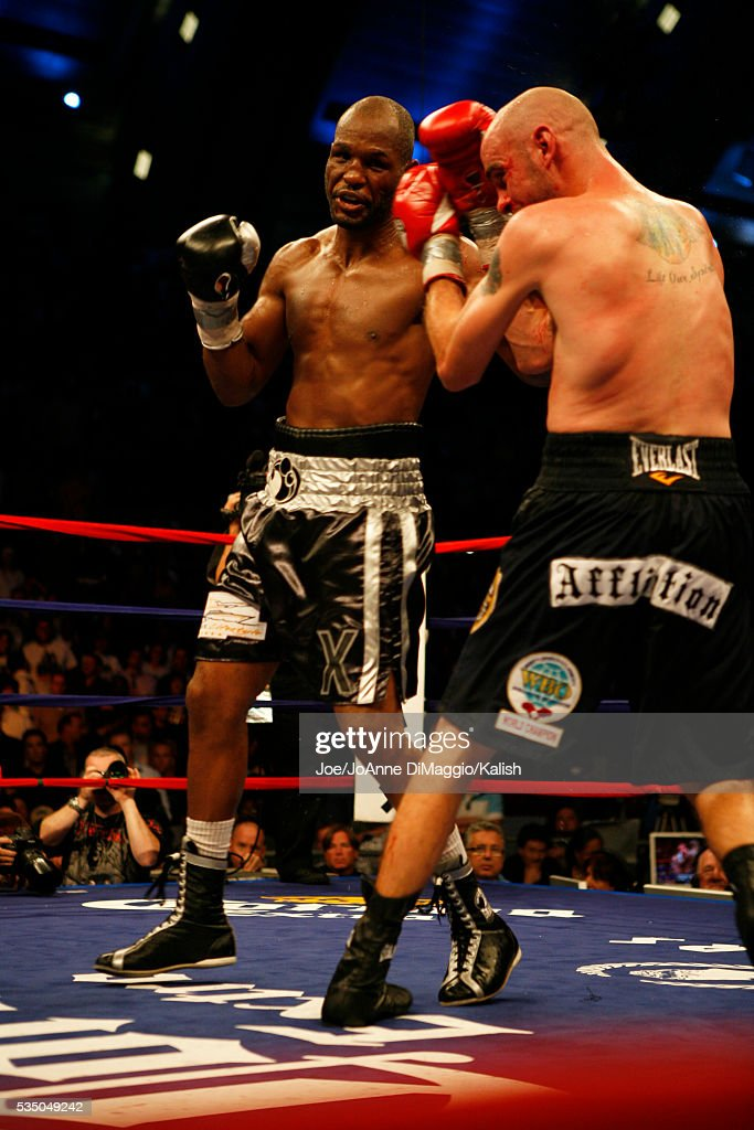 Kelly Pavlik and Bernard Hopkins during their 12 round bout in Atlantic City New Jersey Hopkins won by unanimous decision