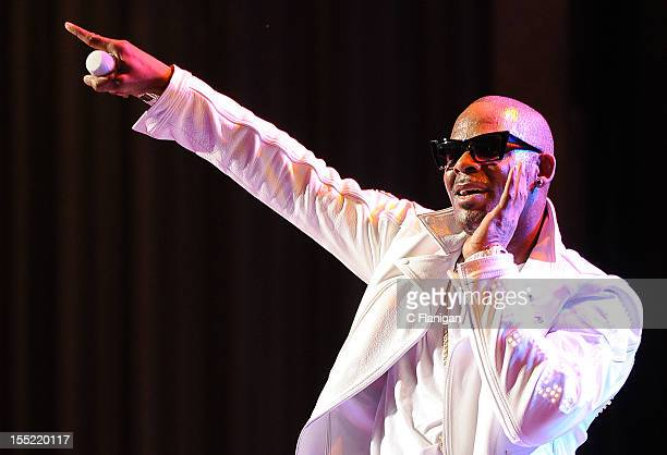 R Kelly performs during the Single Ladies Tour at The Paramount Theatre on November 1 2012 in Oakland California