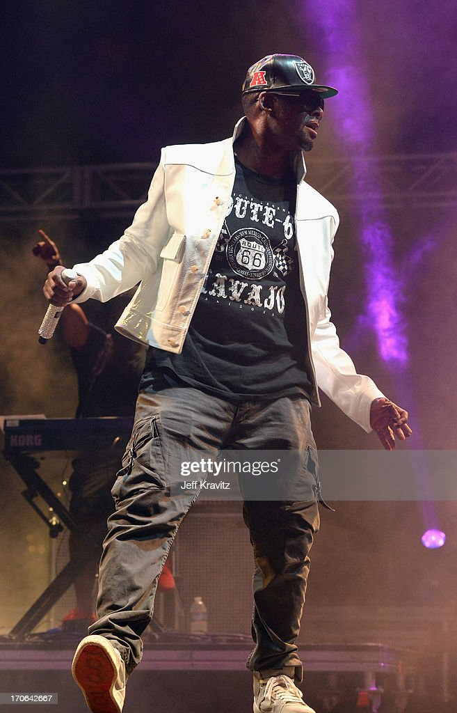 R. Kelly performs onstage at Which Stage during day 3 of the 2013 Bonnaroo Music & Arts Festival on June 15, 2013 in Manchester, Tennessee.