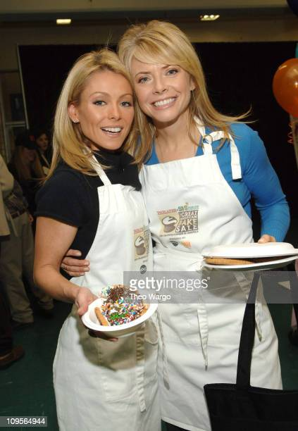 Kelly Ripa and Faith Ford during The Cast of 'Hope Faith' Host The Great American Bake Sale Presented by Parade Magazine and Share Our Strength at PS...