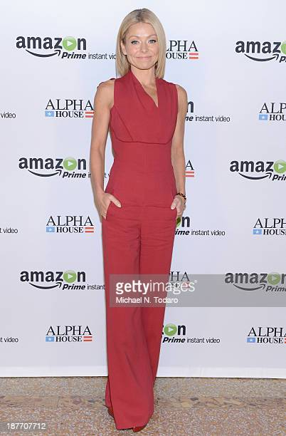 Kelly Ripa attends Amazon Studios Premiere Screening for 'Alpha House' on November 11 2013 in New York City