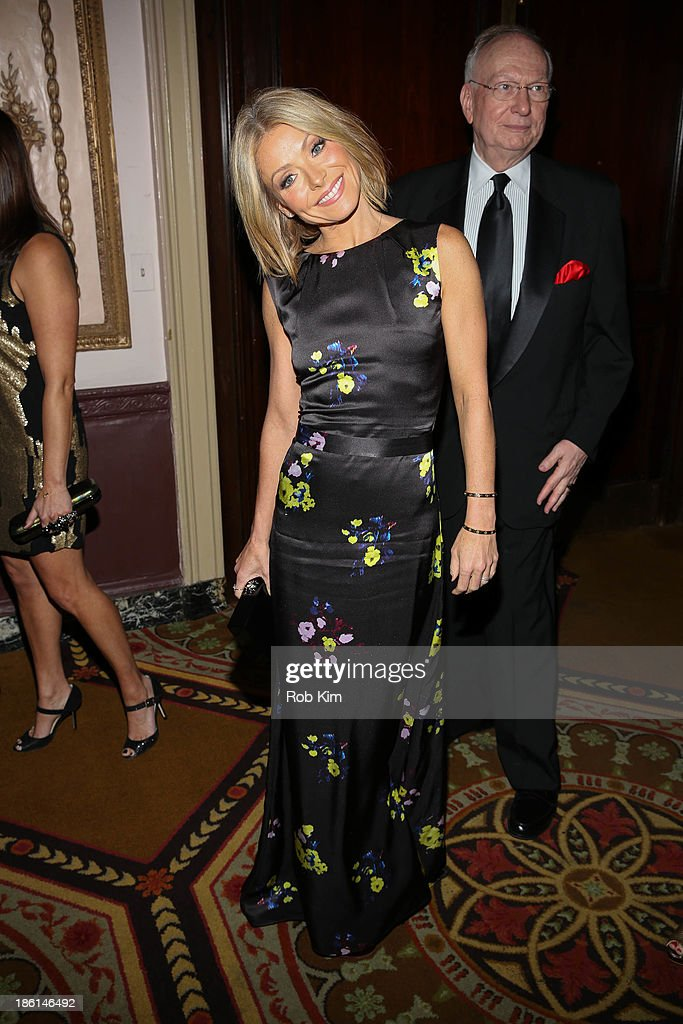 <a gi-track='captionPersonalityLinkClicked' href=/galleries/search?phrase=Kelly+Ripa&family=editorial&specificpeople=202134 ng-click='$event.stopPropagation()'>Kelly Ripa</a> attends the Broadcasting and Cable 23rd annual Hall of Fame Awards dinner at The Waldorf=Astoria on October 28, 2013 in New York City.