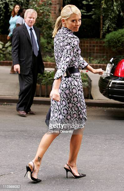 Kelly Ripa during Kelly Ripa and Regis Philbin Filming Commercial on Manhattan's Upper West Side September 27 2005 at Upper West Side in New York...