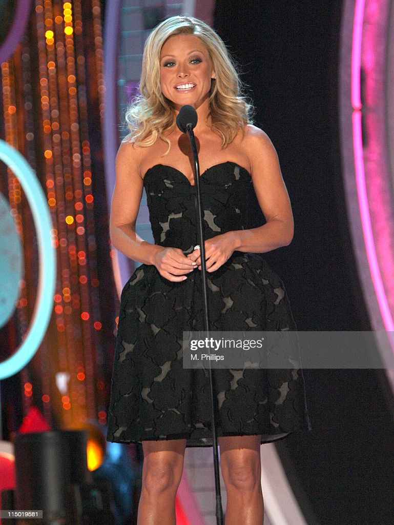 <a gi-track='captionPersonalityLinkClicked' href=/galleries/search?phrase=Kelly+Ripa&family=editorial&specificpeople=202134 ng-click='$event.stopPropagation()'>Kelly Ripa</a>, host during 5th Annual TV Land Awards - Show at Barker Hangar in Santa Monica, California, United States.