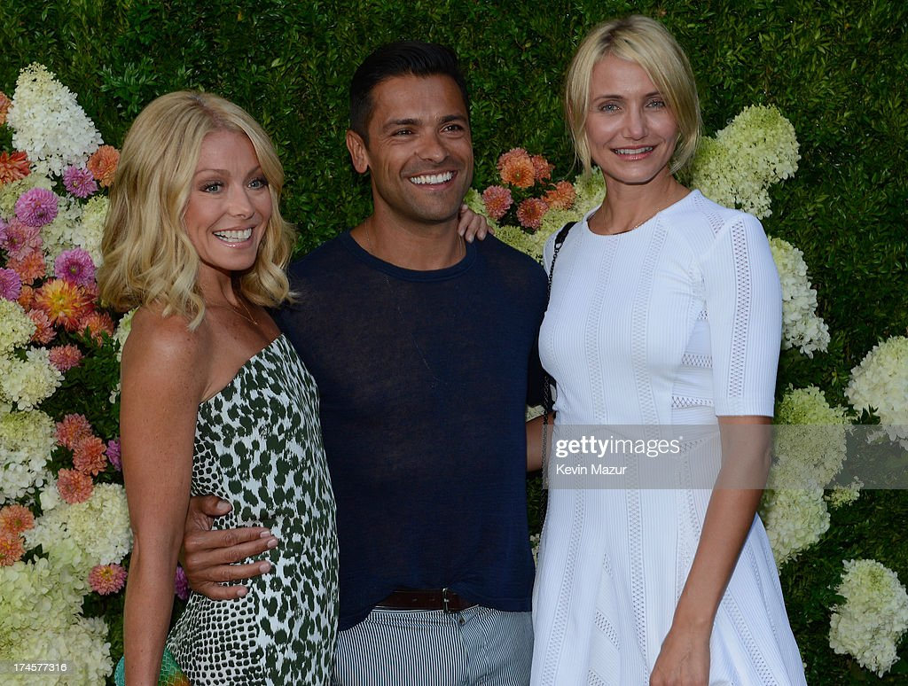 <a gi-track='captionPersonalityLinkClicked' href=/galleries/search?phrase=Kelly+Ripa&family=editorial&specificpeople=202134 ng-click='$event.stopPropagation()'>Kelly Ripa</a>, Marc Consuelos and <a gi-track='captionPersonalityLinkClicked' href=/galleries/search?phrase=Cameron+Diaz&family=editorial&specificpeople=201892 ng-click='$event.stopPropagation()'>Cameron Diaz</a> attend the Baby Buggy Summer Dinner hosted by Jessica and Jerry Seinfeld and rag & bone on July 27, 2013 in East Hampton, New York.