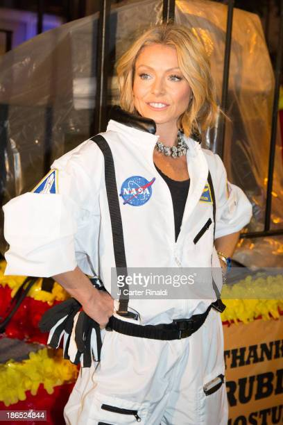 Kelly Ripa participates in the New York City 40th Annual Village Halloween parade on October 31 2013 in New York City
