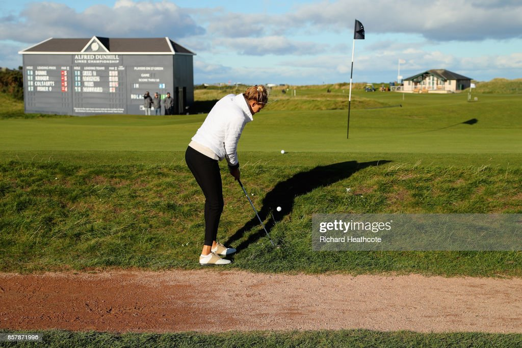 Kelly Rohrbach, Actress chips onto the 17th during day one of the 2017 Alfred Dunhill Championship at The Old Course on October 5, 2017 in St Andrews, Scotland.