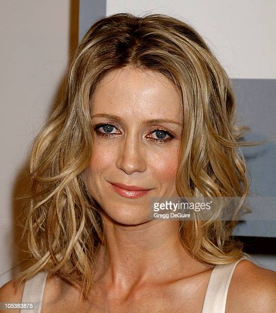 Kelly Rowan Nude Photos 25